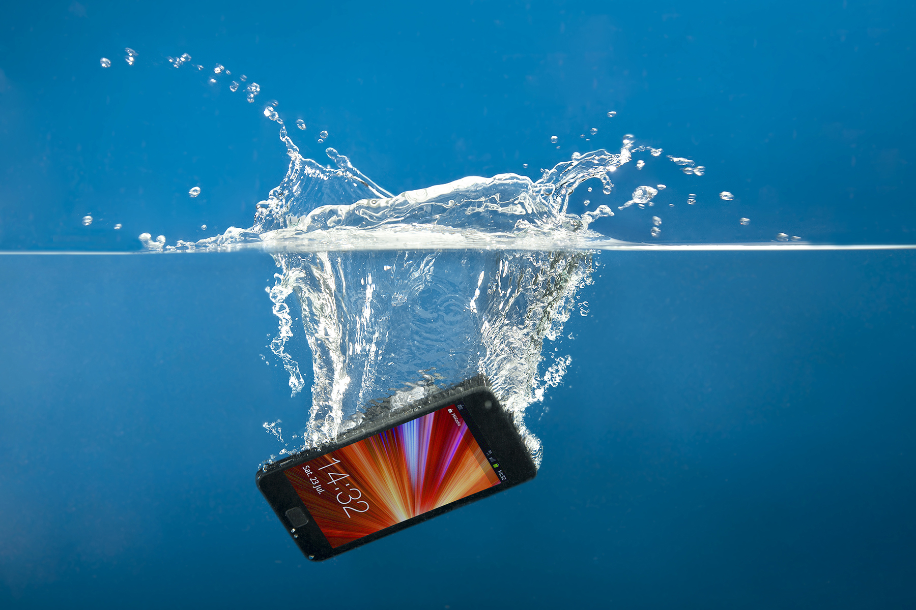 9 BEST WATER-PROOF SMARTPHONES AVAILABLE IN INDIA